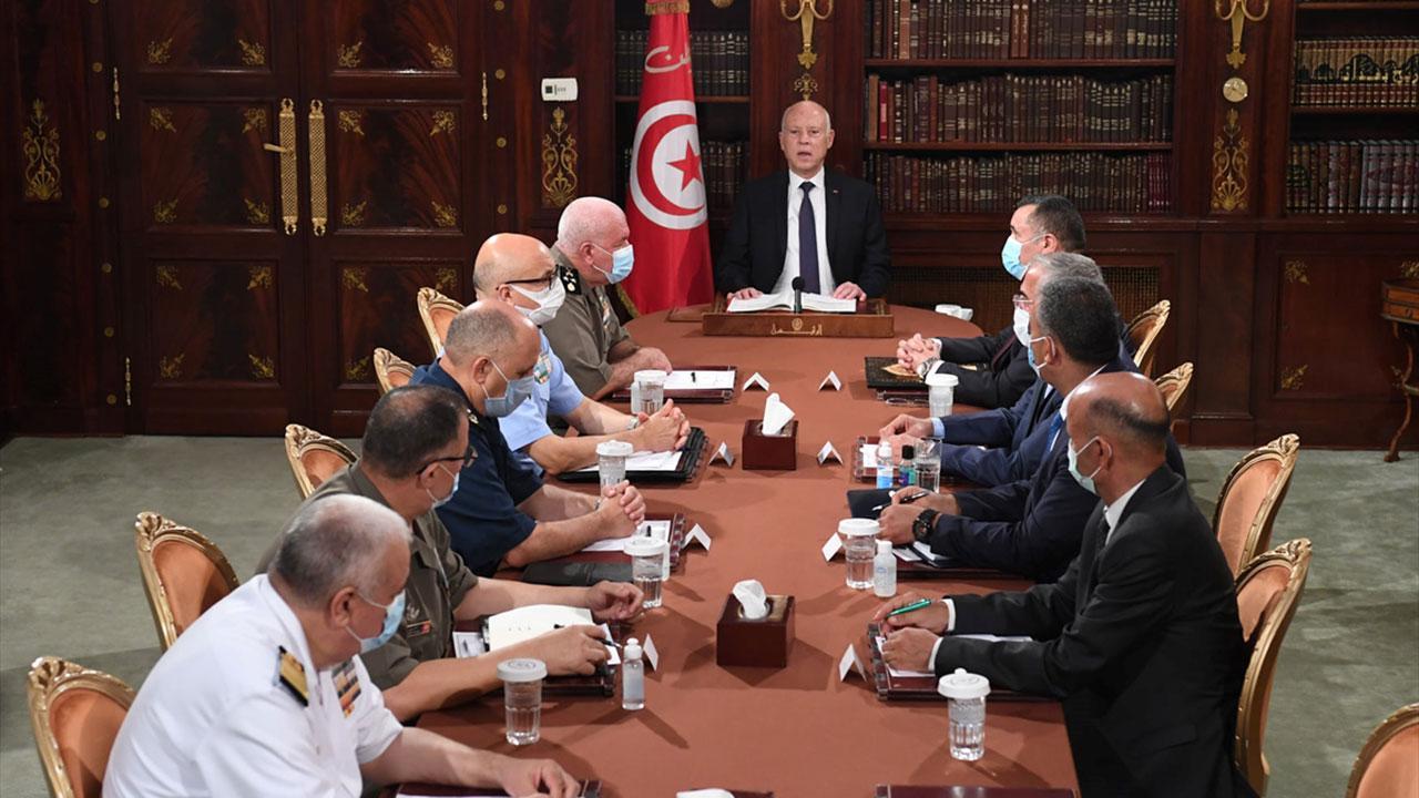 Tunus'ta Üç Partiye Soruşturma